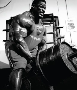 Ronnie Coleman doing HEAVY T-bar Rows!