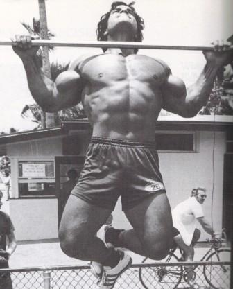 Franco Columbu doing pull ups